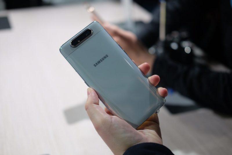 Rekomendasi smartphone kamera pop up terbaik 3
