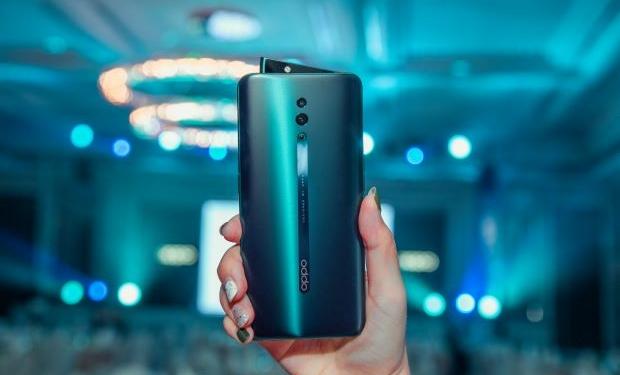 Rekomendasi smartphone kamera pop up terbaik 9