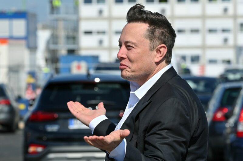 Elon Musk Melakukan Empat Kali Rapid Test Covid 19